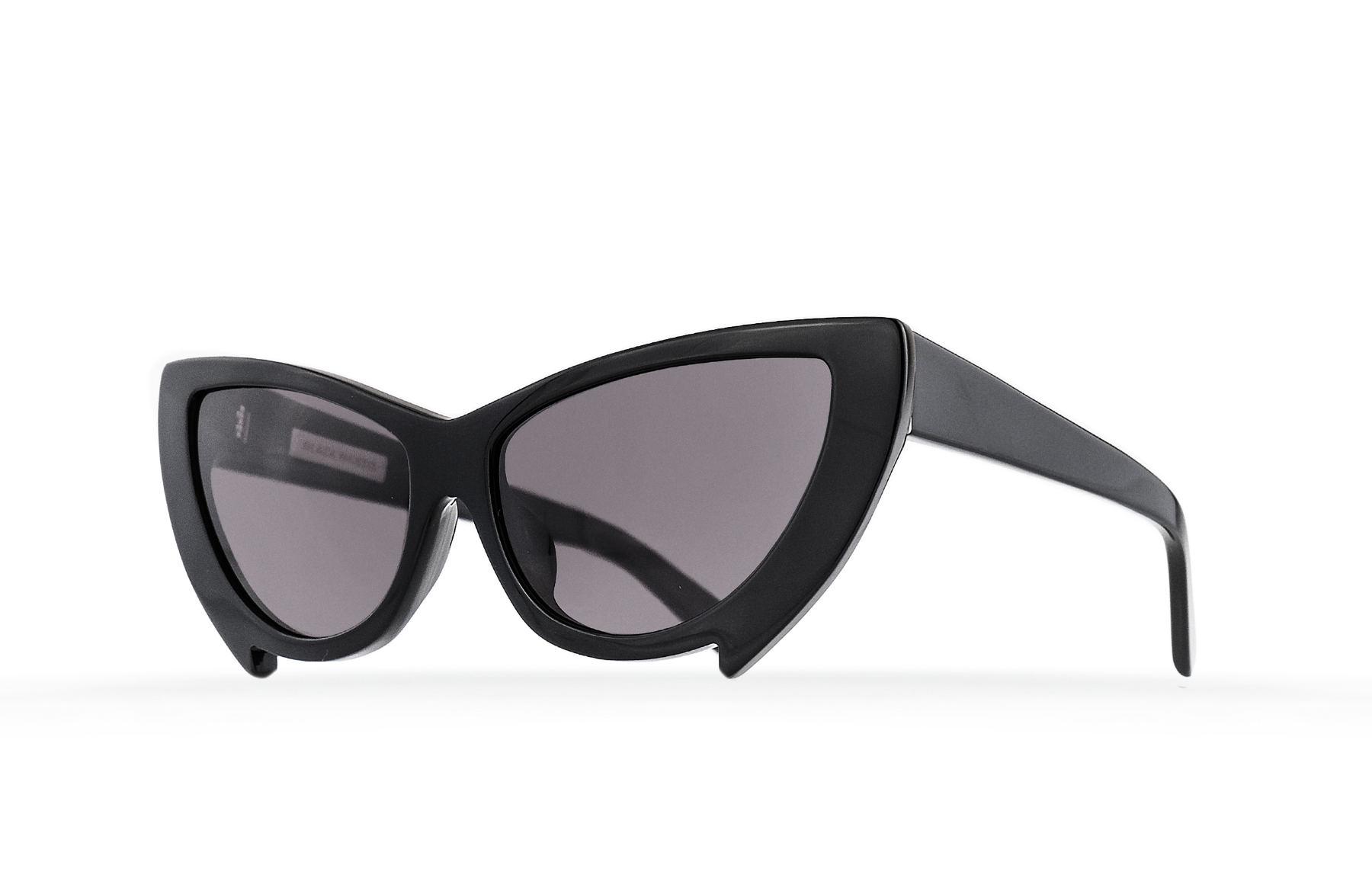 FAKBYFAK  Black Mantis Model 2. Black Code: FBF-02-02-01