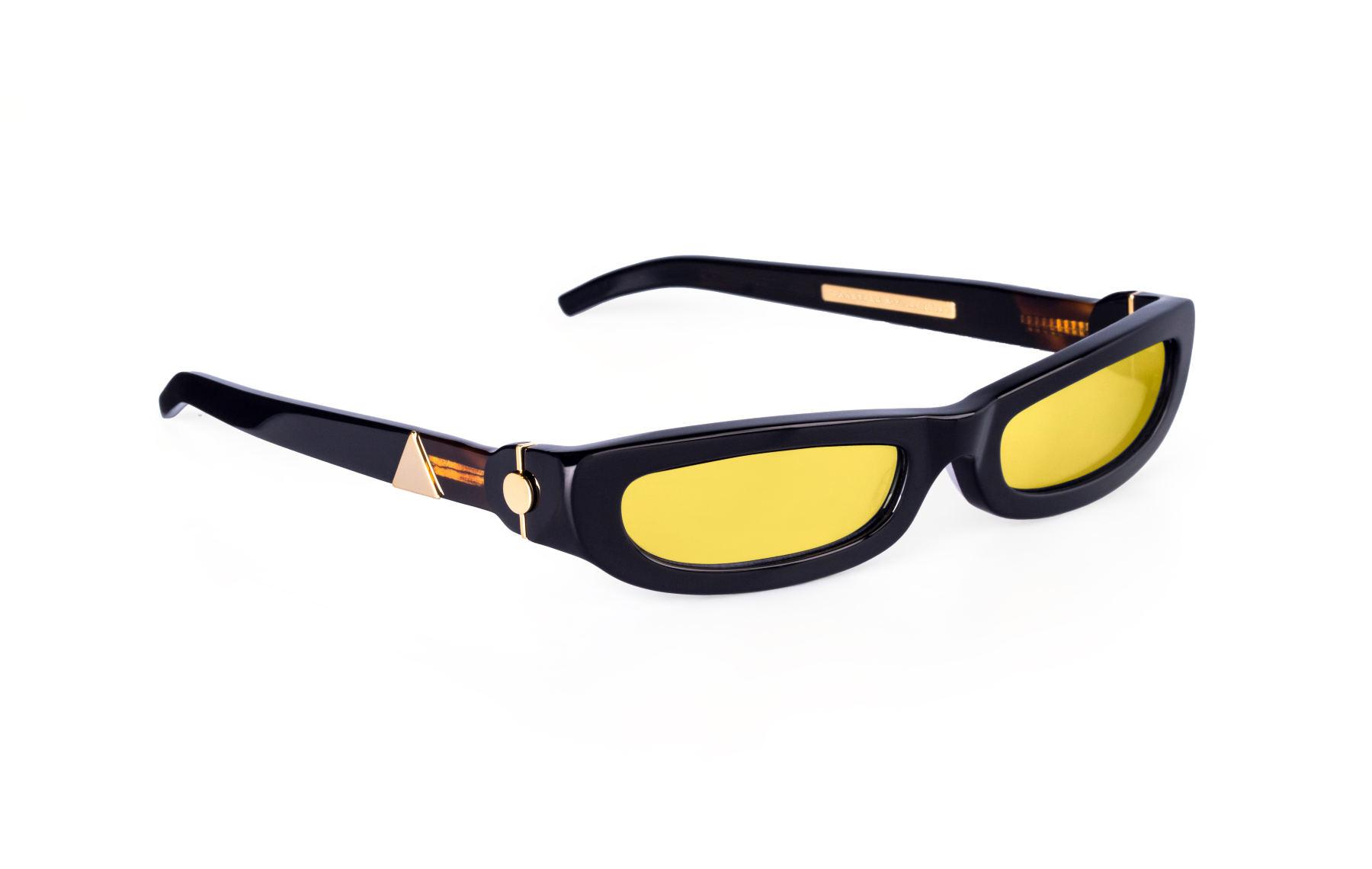 FAKBYFAK x Pilar Zeta  SHARP. Sunglasses. Classic Glossy Black & Gold Code: 14/01/02
